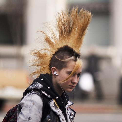 Dünya Punk Çılgınlığıyla Sallanıyor